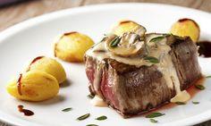 Steak ze svíčkové se smetanovou omáčkou ze žampiónů