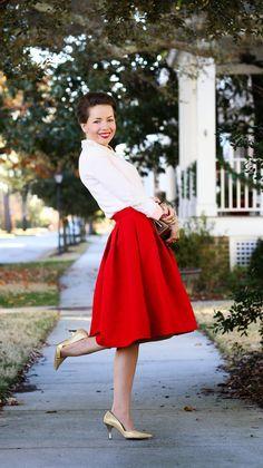 Jacquard Rose Pleated Midi Skirt in Red (Redreticule)