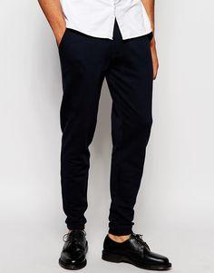 Jogginghosen von ASOS Sweatshirt-Stoff Knopfverschluss Reißverschluss Seitentaschen enge Passform Maschinenwäsche 100% Baumwolle unser Model trägt 32 Zoll/ 81 cm Normalgröße und ist 185,5 cm/ 6 Fuß 1 Zoll groß
