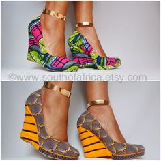 Dare to be different in this pair of beautiful ankle bracelets that add a bit of pizazz to any outfit. African Inspired Fashion, African Print Fashion, African Prints, African Accessories, Mode Shoes, Estilo Hippie, African Wear, African Style, Kitenge