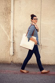 I have like... this outfit! Everything but the bag! I could totally pull this off with a top knot! (: