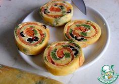 Рулет с красной рыбой и черными оливками - кулинарный рецепт