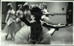 1990 Press Photo Ballerina Kristen Reintsema dances in Glenville, New York | Collectibles, Photographic Images, Contemporary (1940-Now) | eBay!