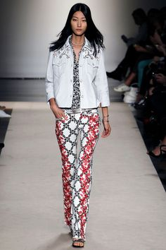 Isabel Marant - Spring Summer 2013 Ready-To-Wear - Shows - Vogue. Couture Mode, Couture Fashion, Runway Fashion, Girl Fashion, Fashion Show, Fashion Design, Classic Fashion, Luxury Fashion, Fashion Outfits