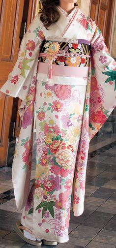 Furukode / beautiful kimono of the world - the tradition of kimono Ishige / Ishige dry goods store Japanese Outfits, Japanese Fashion, Asian Fashion, Japanese Clothing, Traditional Japanese Kimono, Traditional Dresses, Geisha, Yukata Kimono, Wedding Kimono