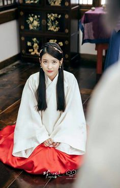 IU's traditional styling amplifies her beauty in recent drama Iu Moon Lovers, Moon Lovers Drama, Korean Actresses, Korean Actors, Korean Dramas, Scarlet Heart, Korean Celebrities, Cosplay Outfits, Seohyun