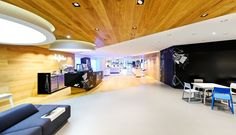 discover the unique stages of shopping | O2 Flagship Store Live