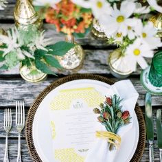 Dreamy summer wedding ideas, outdoors and in family-like atmosphere with fresh florals and elegant styling
