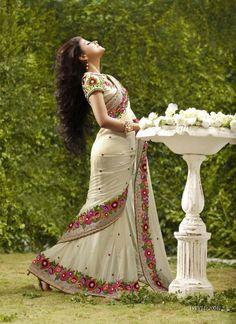 Designer sarees - Buy latest Indian designer sarees, Cheap Designer Sarees…