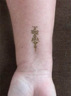 Small Henna Wrist Design by flowerwills on DeviantArt