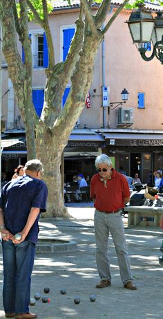 Frenchmen playing boules in Saint Tropez I've never seen any women playing this…