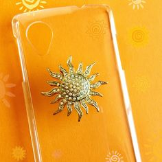 Put a sun in your phone case!!. Always you will have sunny day!!. ✨