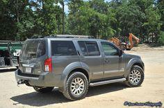 BFG A/T on stock suspension Nissan 4x4, Nissan Navara, Navara Tuning, Navara D40, Armored Truck, Ford Maverick, Bfg, Nissan Pathfinder, Pickup Trucks