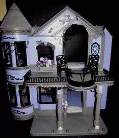 Barbie house makeover to monster high Halloween Diorama, Halloween Miniatures, Halloween Doll, Halloween Haunted Houses, Haunted Mansion, Monster High Haus, Monster High Dolls, Custom Barbie, Custom Dolls