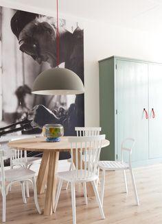 Kast van Combitex in de kleur Cassave geschilderd voor de metamorfose van VT Wonen. barefootstyling.com