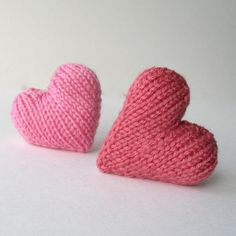 """amandaberryknitting: """"Knit a heart for your ValentineThis is a free pattern for a little knitted love heart. Although this heart is knitted flat, it is made in one piece to minimise any fiddly seaming.Hearts, knitting pattern designed by Amanda. Knitting Patterns Free, Free Knitting, Sewing Patterns, Crochet Patterns, Free Pattern, Beginner Knitting, Amanda, Knitting Needles, Knitting Yarn"""