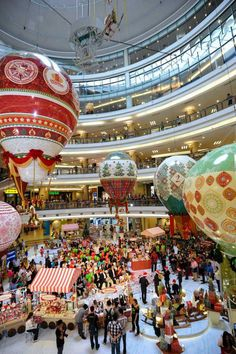 #1Utama Instilled Christmas Magic And Belief In Mall Goers With Pretty Hot Air Balloons