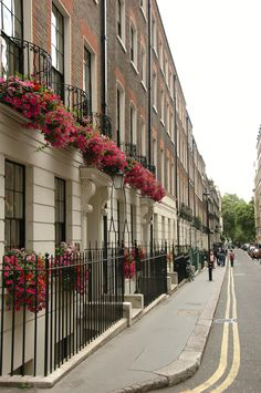 London London Townhouse, English Cottages, City Scapes, London Life, Wrought Iron, Beautiful Things, Britain, England, Journey