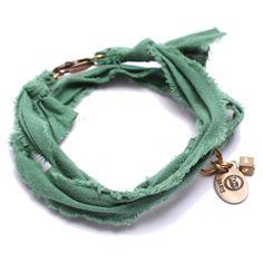 Bracelet vintage forêt Marie Depaire, bracelet en tissus fait main en France, à découvrir sur www.lilishopping.com/233-marie-depaire  #mariedepaire #madeinfrance #handmade #madeinparis #vintage #bracelethomme