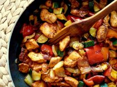 Kung Pao Chicken, Chicken Recipes, Bacon, Turkey, Ethnic Recipes, Food, Red Peppers, Turkey Country, Essen