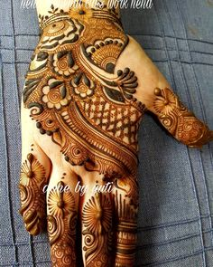 Mehandi design has a Different place in our heart. Keep this above statement in our mind we come with a great collection of lastest Mehandi Design. Peacock Mehndi Designs, Khafif Mehndi Design, Indian Henna Designs, Mehndi Designs 2018, Stylish Mehndi Designs, Dulhan Mehndi Designs, Mehndi Designs For Fingers, Mehndi Patterns, Wedding Mehndi Designs