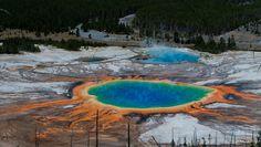 Grand Prismatic Spring  Yellowstone, Wyoming, USA