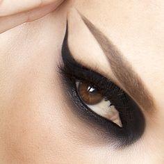 """#FlashBack #Makeup by #sarahsteller #beauty #black #eyeshadows #makeupartist ✨"""