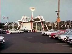 Video of Sinclair's funky petrol station of the future at the 1964/65 New York World's Fair.  You can see the AMF Monorail in the background!