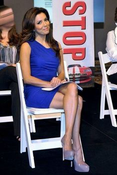 Eva Longoria sexy crossed legs in a blue mini dress and sky high heels Sexy Legs And Heels, Hot High Heels, Platform High Heels, High Heel Boots, Womens High Heels, Eva Longoria Style, Heels Outfits, Shoes Heels, Great Legs