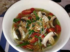 Recipe Vietnamese Chicken Noodle Soup by HallowsEve, learn to make this recipe easily in your kitchen machine and discover other Thermomix recipes in Soups. Chicken Broth Can, Chicken Noodle Soup, Thermomix Soup, Soup Recipes, Cooking Recipes, Recipies, Healthy Recipes, Onion Sprouts, Bowl Of Soup