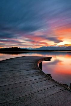 Top 10 most stunning sunset photos we have found. Be sure to check out our quick tips video so you can start shooting amazing sunsets of…