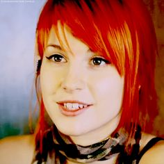Hayley Williams Hayley Paramore, Paramore Hayley Williams, Most Beautiful Women, Beautiful People, Hayley Williams Style, Panic! At The Disco, Love Her Style, Woman Painting, Great Bands