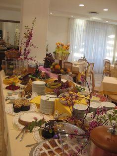 breakfast buffet, Easter 2012