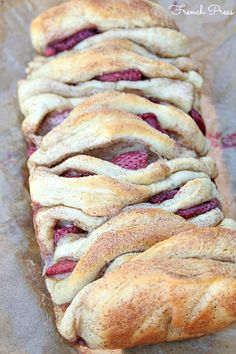strawberry with cinnamon and sugar pull apart bread