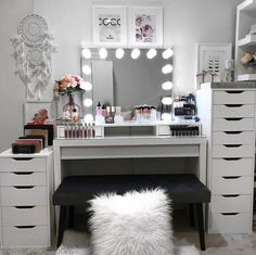 This amazing vanity could use some of our IKEA Alex Drawer Organizers! I think an Allie Lipstick would fit in quite nicely. Beauty Room Decor, Makeup Room Decor, Makeup Rooms, Room Ideas Bedroom, Bedroom Decor, Ikea Alex Drawers, Salon Interior Design, Glam Room, Cute Room Decor