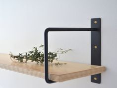 Discover the Best Modern Shelf Brackets Design Ideas for Home at The Architecture Design. Visit for more Design and Ideas about Shelf Brackets Design. Shelf Brackets Design, Metal Shelf Brackets, Metal Shelves, Floating Shelves, Kitchen Wall Shelves, Plant Shelves, Shelf Wall, Corner Shelves, Plywood Shelves