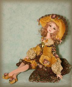 Купить или заказать Николь в интернет-магазине на Ярмарке Мастеров. Интерьерная куколка . Положение тела можно менять так как куколка на проволочном каркасе. Голова поворачивается.
