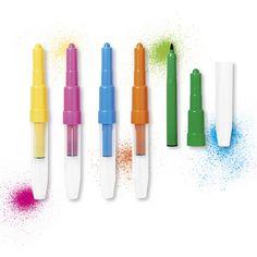 Inademen... ....en dan...blazen maar om de mooiste kunstwerken te maken. Pennen die van kleur bekennen als er op hen geblazen wordt. Per verpakking 5 kleuren.