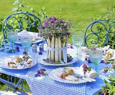 outdoor brunch...in the spring time of course!