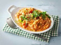 Kasviskastike pastalle Vegetarian Recipes, Healthy Recipes, Healthy Food, Greens Recipe, Risotto, Macaroni And Cheese, Curry, Food And Drink, Vegetables