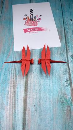 Origami Tutorial: How to fold a Paper Dragonfly basteln dekoration. - Origami Tutorial: How to fold a Paper Dragonfly basteln dekoration… Origami Tutorial: How to fold a Paper Dragonfly basteln dekoration garten hintergrundbilder Instruções Origami, Origami Ball, Origami And Kirigami, Origami Rose, Origami Butterfly, Paper Crafts Origami, Diy Paper, Origami Birds, Origami Videos