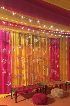 We've scratched out the most amazing mehendi ceremony themes for you to take your dose of inspiration from. They're new, quirky and surely something you don't see very often. Desi Wedding Decor, Wedding Stage Decorations, Wedding Mandap, Diy Backdrop, Wedding Ceremony Backdrop, Backdrop Decorations, Wedding Backdrops, Wedding Ideas, Wedding Mehndi