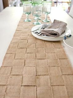 DIY Burlap Table Runner...creative!