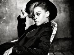 <3 Rihanna