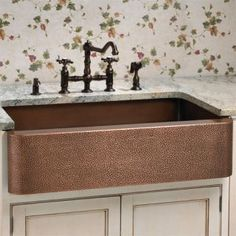 "25"" Pearl Copper Farmhouse Sink with Hammered Exterior and Smooth Interior - Antique Copper"