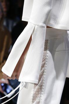 Derek Lam Spring 2016 Ready-to-Wear Fashion Show - Lineisy Montero