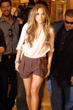J.Lo is so effortlessly chic and amazing; I wish I could be like her.
