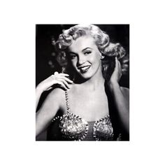 1950s Pin Up - Discover The Era and The Most Memorable Icons ❤ liked on Polyvore featuring marilyn monroe, people, marilyn, backgrounds and pictures