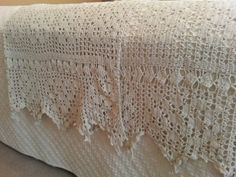 Antique Queen Size Lace Crocheted Bedspread Coverlet Blanket