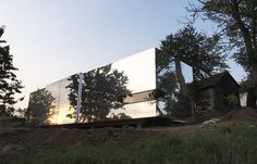 Introducing our latest obsession, Casa Invisible by Vienna-based Delugan Meissl, a prefabricated home and a literally ground breaking alternative.
